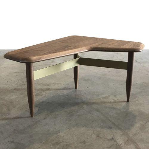 伝統的なデザインサイドテーブル