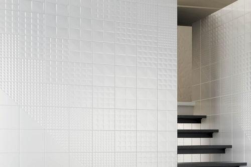 バスルーム用タイル / 壁 / セラミック / 幾何学