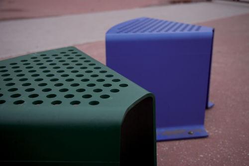 コンテンポラリースツール / 亜鉛めっき鋼製 / 公共スペース用 / 業務用