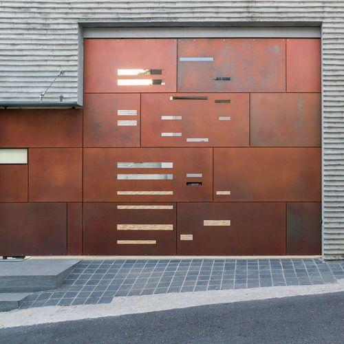 銅製クラッディング / 自然 / ニス塗装済 / パネル型