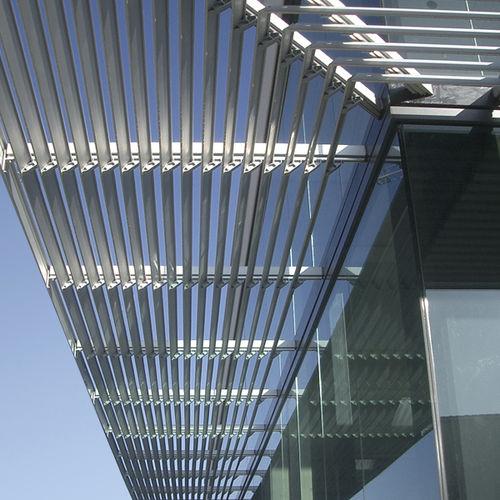 アルミ製日射遮蔽 / 建物の正面用 / 横型
