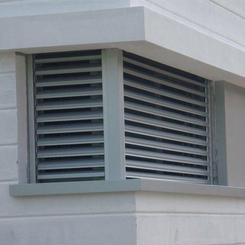 アルミ製日射遮蔽 / 建物の正面用 / 窓用