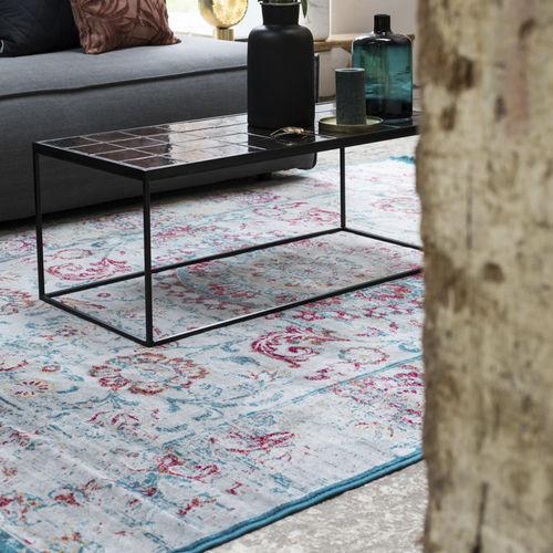 伝統的絨毯