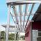 アルミ製日射遮蔽 / 建物の正面用 / 方向調節可能