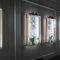 コンテンポラリー展示ケース / 壁掛け式 / ガラス製 / ステンレススチール網製