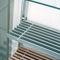 壁取り付け式棚システム / コンテンポラリー / 金属製 / ガラス製