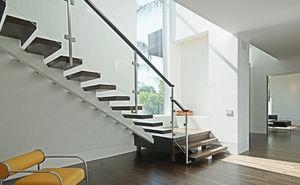 Escadas, Elevadores