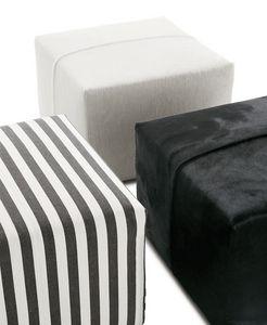 puff contemporâneo / em tecido / em couro / de Antonio Citterio