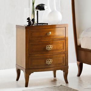 criado-mudo clássico / em madeira lacada / em madeira maciça / com base em madeira maciça