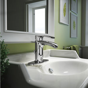 misturador monocomando para lavatório / em metal cromado / 1 furo / em cascata