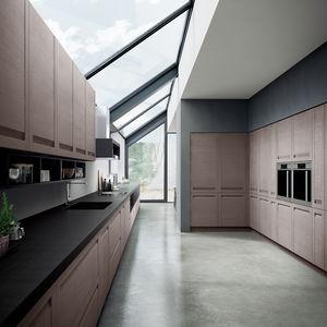 cozinha contemporânea / com folheado de madeira / em madeira maciça / em carvalho