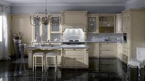 cozinha de estilo / em madeira lacada / em madeira pintada / com ilha