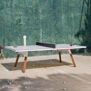mesa de pingue-pongue contemporânea / para ambiente externo / conversível em mesa de refeição / em nogueira