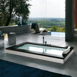 banheira em acrílico / em madeira / em pedra / de hidromassagem