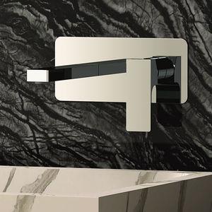 misturador monocomando para lavatório / de parede / em latão cromado / 2 furos