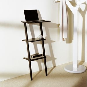mesa de computador de design escandinavo / em madeira / com base em madeira / retangular