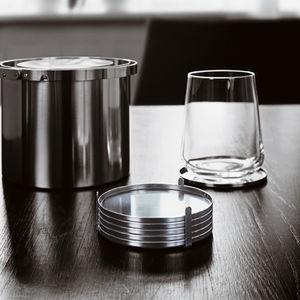 porta-copo em aço inoxidável