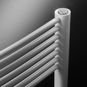 aquecedor de toalhas a água quente / em aço inoxidável / contemporâneo / para banheiro