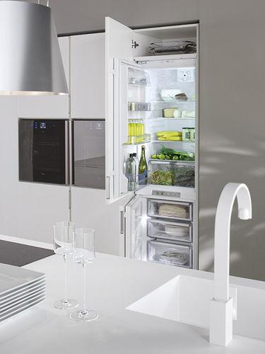 refrigerador combinado vertical / branco / de embutir / com geladeira por baixo