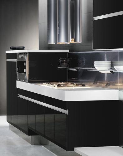 cozinha contemporânea / em madeira / lacada / com brilho