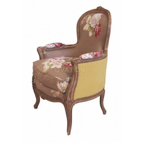 poltrona de estilo Luís XV / em madeira / em tecido / Bergère