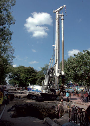 perfuratriz a diesel / rotativa / com martelo de fundo de furo / para construção civil