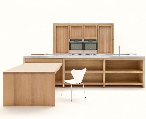 cozinha contemporânea / em madeira maciça / em carvalho / com ilha