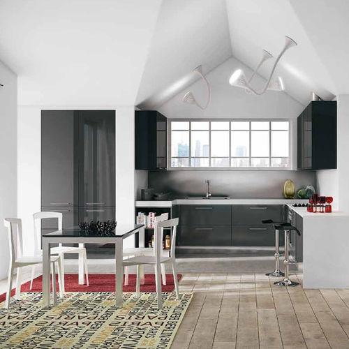 cozinha contemporânea / em laminado / em U / lacada