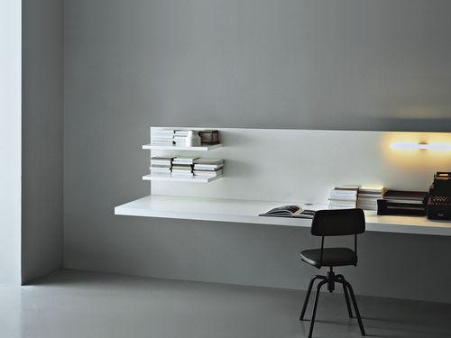 mesa secretária em madeira