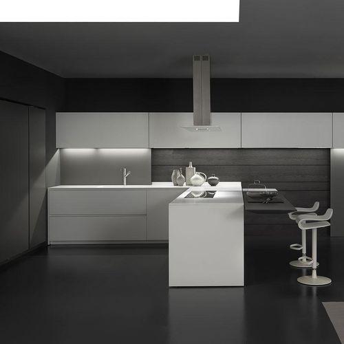 cozinha contemporânea / em laminado / em L / lacada