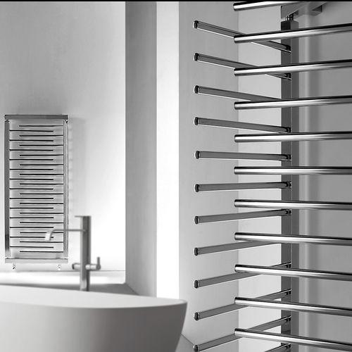 aquecedor de toalhas a água quente