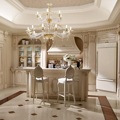 cozinha clássica / em carvalho / em granito / com ilha