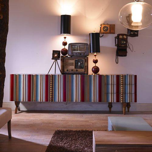 rack de TV contemporâneo / sob medida / em madeira lacada