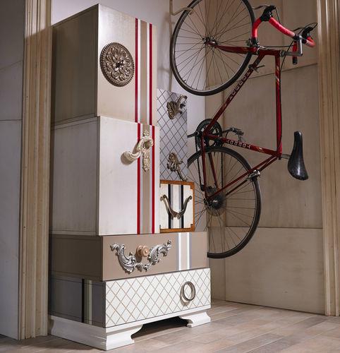 móvel de entrada contemporâneo / alto / em madeira lacada / com gavetas