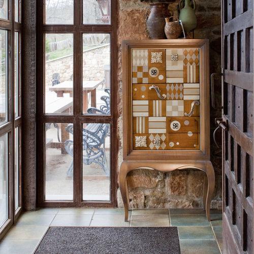 camiseiro clássico / em madeira