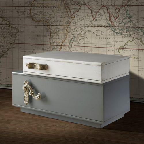 criado-mudo contemporâneo / em madeira lacada / retangular / com gavetas
