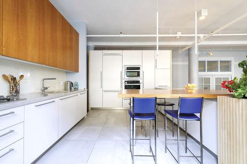 cozinha contemporânea / em melamina / em pedra / em madeira