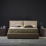 cama de casal / contemporânea / estofada / com cabeceira estofada