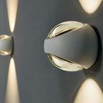 arandela contemporânea / para ambiente externo / em alumínio / em vidro
