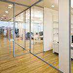 divisória removível / em vidro / para escritório / transparente