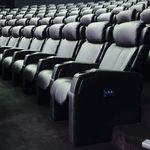 poltrona de cinema em tecido / com apoio de cabeça / reclinável / vermelha