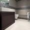banheiro contemporâneo / em madeira