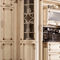 cozinha clássica / em madeira lacada / em mármore / com ilha