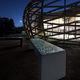 banco para espaço público / contemporâneo / em concreto / com iluminação