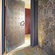 calha de escoamento metálica / com fenda central / para porta / de proteção